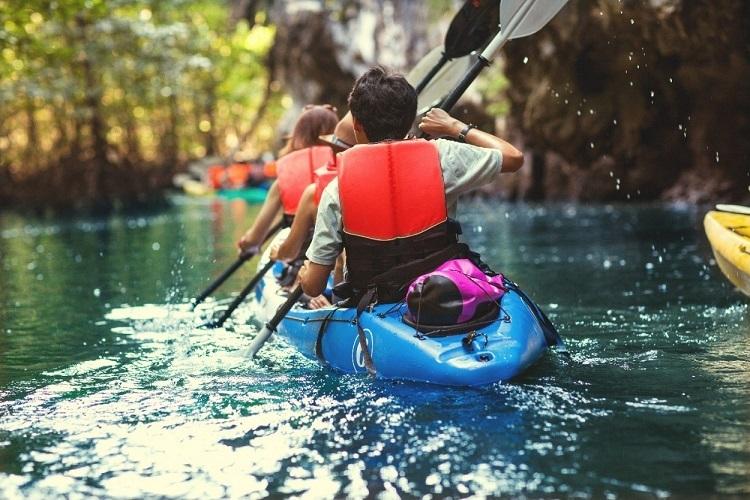 Với hệ thống sông rạch bao quanh, cư dân The Elite có thể tham gia nhiều hoạt động thể thao nước đa dạng tại khu đô thị.