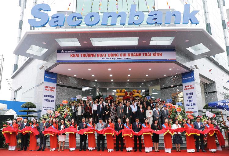 Lễ khai trương Sacombank chi nhánh Thái Bình hôm 1/11.