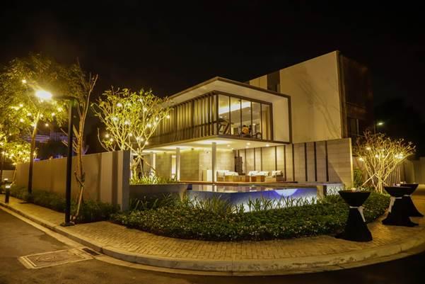 Clubhouse tọa lạc tại vị trí đẹp bậc nhất trong khu biệt thự Holm Residences.