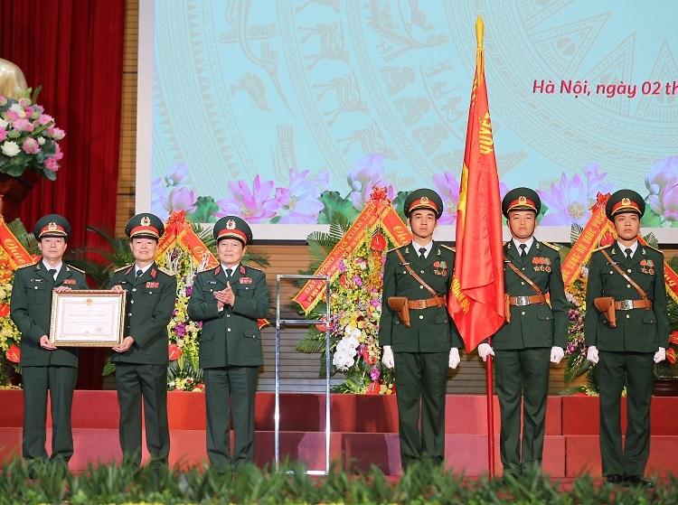MB đón nhận Huân chương Bảo vệ Tổ quốc hạng Nhất.