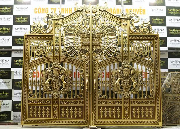 Mẫu sản phẩm tái hiện cánh cổng Cung điện Buckingham được rất nhiều người ưa chuộng.