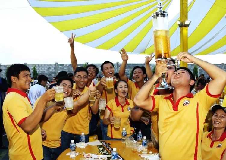 Khách tham dự lễ hội bia donhãn hàngSư Tử Trắng tổ chức năm 2017. Ảnh: Fanpage Sư Tử Trắng.