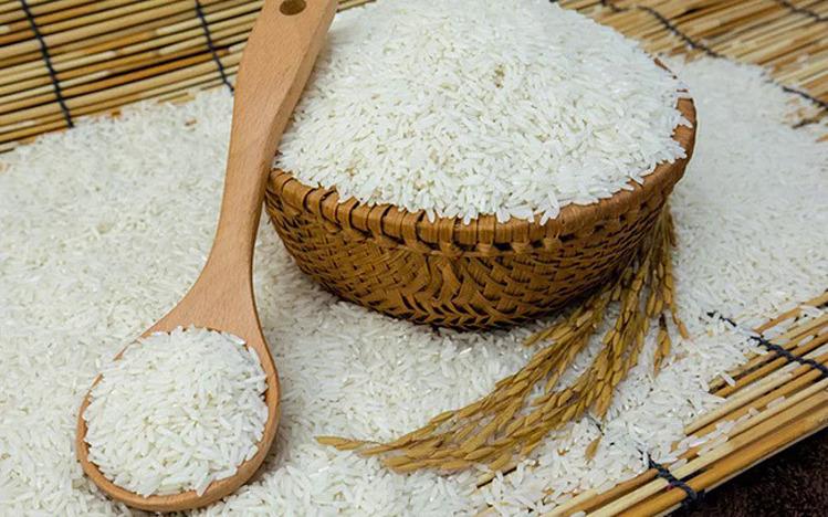 Giá gạo xuất khẩu giảm mạnh