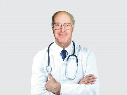 Bác sỹ DR. Theodore Guy Obenchain - Bác sỹ Trưởng khoa thần kinh và xương sống bệnh viện Palomar Medical Center (Hoa Kỳ).