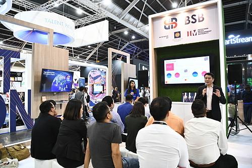 Ông Gerald Sun, Phó chủ tịch Phát triển kinh doanh, Thương mại và Công nghiệp khu vực châu Á - Thái Bình Dương Mastercard trong buổi chia sẻ về BSB hôm 11/11 tại SFF 2019. Ảnh: Abraham Christopher