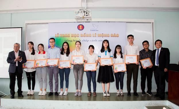 Lễ trao học bổng của Quỹ hỗ trợ giáo dụcLê Mộng Đào.