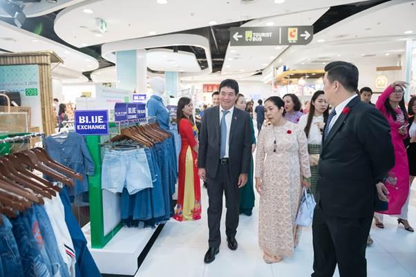 Thương hiệu thời trang Blue Exchange trưng bày tại Tuần lễ hàng Việt Nam tại Thái Lan 2019