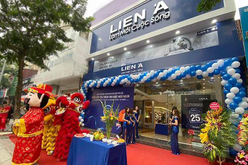 Sự kiện khai trương showroom mới tại 651 Nguyễn Văn Cừ, Hà Nội.