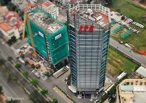 Trụ sở Tân Thuận - IPC trên đường Nguyễn Văn Linh, quận 7. Ảnh: Hữu Khoa.
