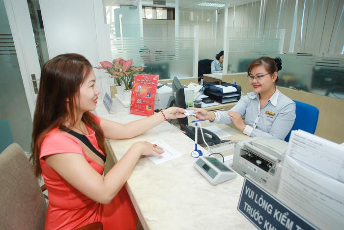Chương trình khuyến mại với nhiều quà tặng công nghệ hấp dẫn từ Kiều hối Đông Á.