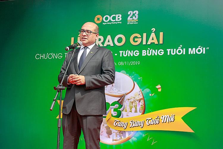 Ông Sanjay Chakrabarty - Phó tổng giám đốc OCB phát biểu tại lễ trao giải.