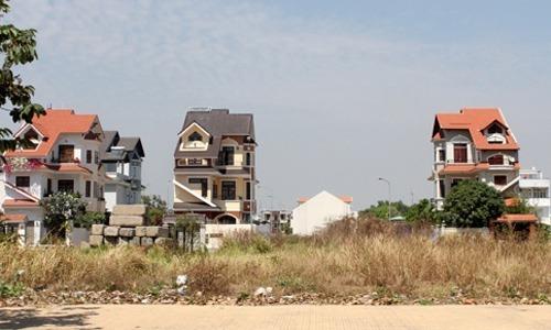 Thị trường nhà phố dự án phía Đông TP HCM. Ảnh: Vũ Lê