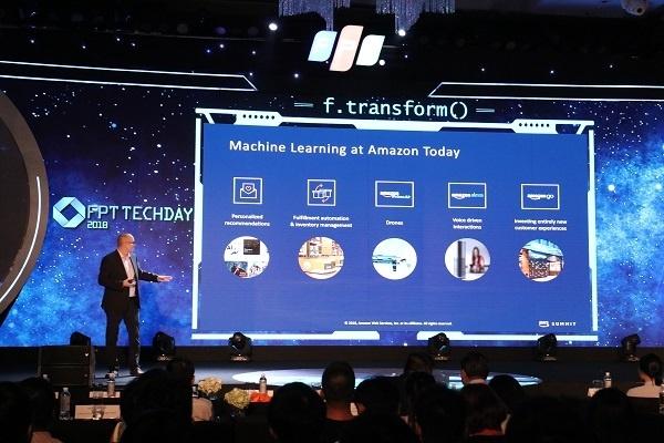 Lãnh đạo Amazon chia sẻ tại FPT Techday 2018.
