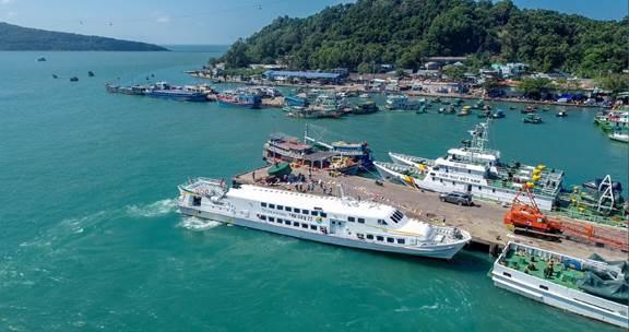 Tàu Superdong Phú Qúy II chính thức khai trương vào rạng sáng ngày 24 tháng 1 năm 2019