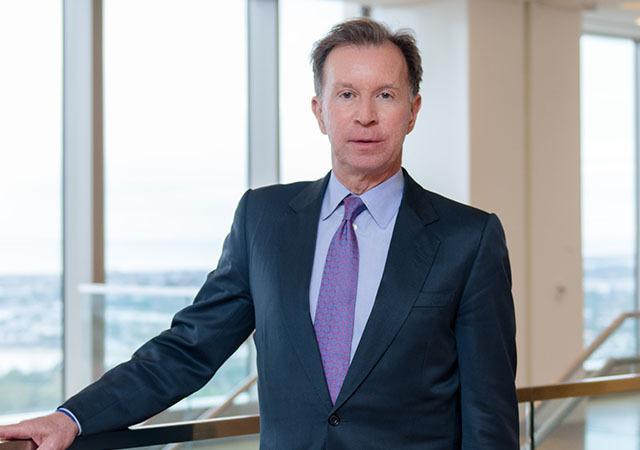 Phó chủ tịch Pimco John Studzinski. Ảnh: Pimco