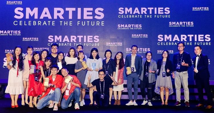 Đội ngũ tiếp thị của Unilever Việt Nam nhận giải tại Smarites Vietnam 2019.