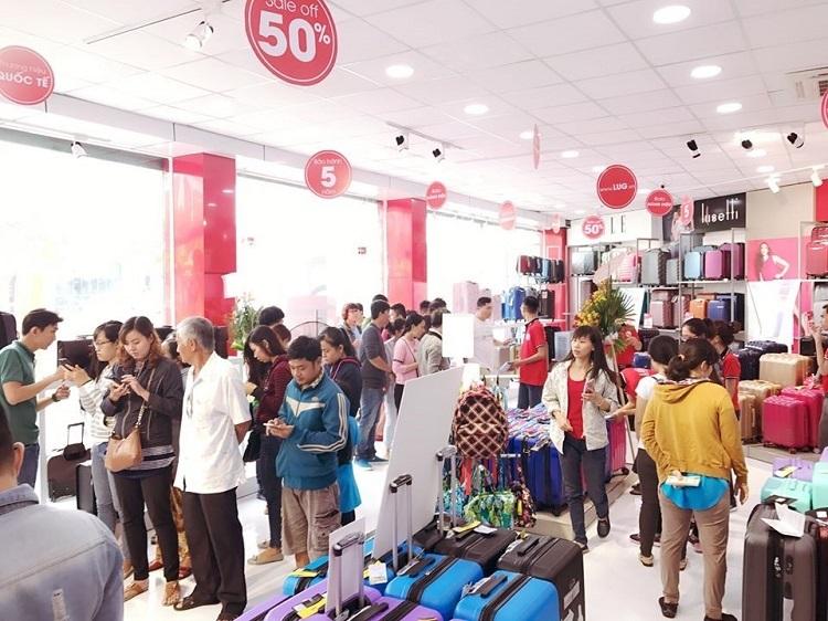 Lượng khách mua sắm hành lý dịp Black Friday tại LUG tăng gấp 10 lần so với ngày thường