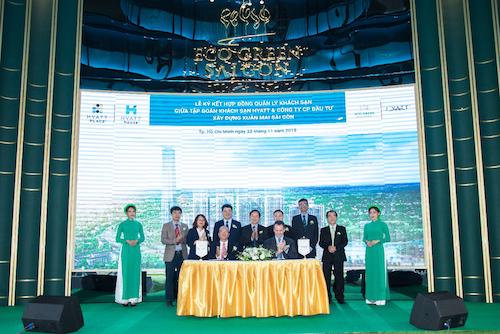 Lễ ký kết hợp tác giữa Xuân Mai Sài Gòn và Tập đoàn khách sạn Hyatt Hotels.
