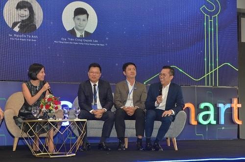 Ông Phùng Duy Khương, Phó Tổng giám đốc VPBank (ngoài cùng bên phải).