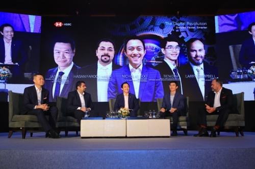 Các diễn giả tại hội thảo chiều 27/11. Ảnh: PV.