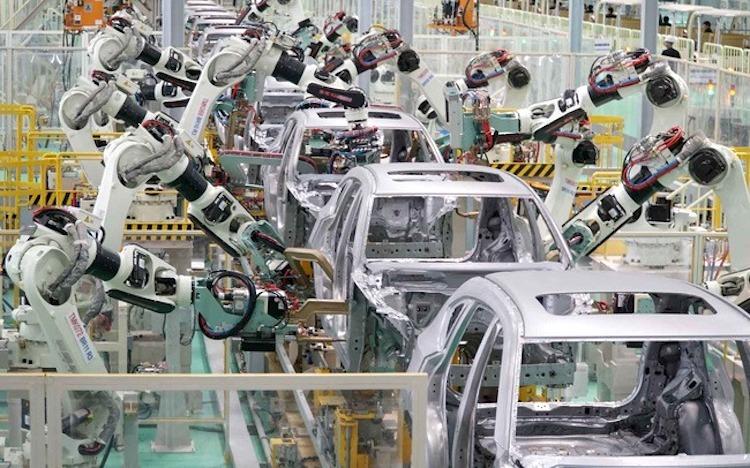 Dây chuyền lắp ráp xe của Công ty ôtô Trường Hải (Thaco) tại Khu công nghiệp Chu Lai. Ảnh: PV