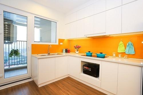 Thiết kế bếp đảm bảo thông thoáng và có tầm nhìn đẹp.