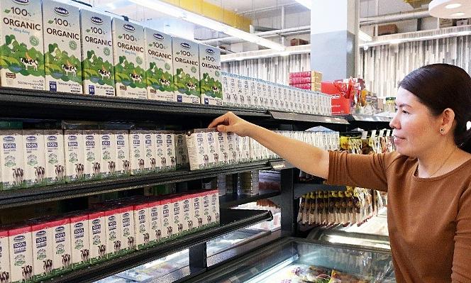 Sữa tươi organic Vinamilk vào siêu thị Singapore