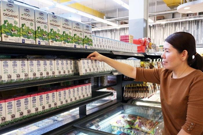 Các sản phẩm sữa tươi của Vinamilk vốn rất quen thuộc tại Việt Nam nay đã có thể tìm mua dễ dàng tại Singapore.