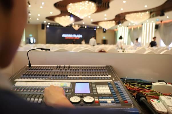 Hệ thống âm thanh, ánh sáng hiện đại sẵn sàng phục vụ cho các loại hình sự kiện.