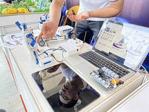 Một giải pháp công nghệ được giới thiệu tại Techfest Vietnam 2019. Ảnh: M.T