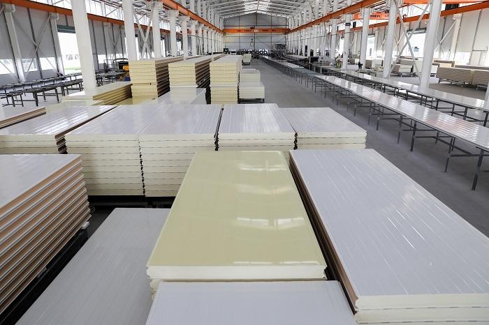 Công xưởng sản xuất panel cách nhiệt Pisocy sử dụng trong xây dựng nhà ở lẫn công nghiệp.