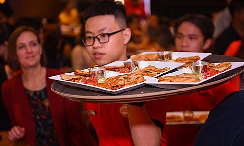 Chuỗi nhà hàng nướng hơn 40 năm của Mỹ 'đổ bộ' Việt Nam