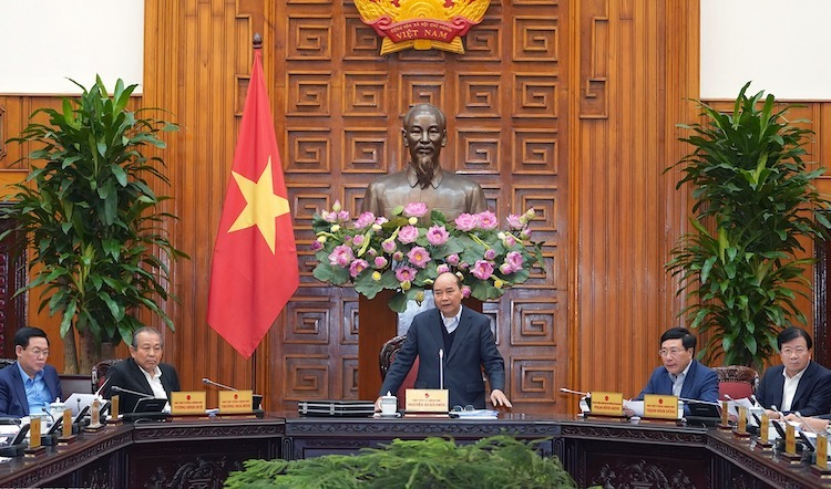Thủ tướng Nguyễn Xuân Phúc chủ trì cuộc họp thường trực Chính phủ ngày 7/12. Ảnh: VGP