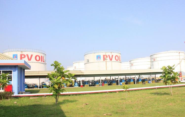 Tổng kho xăng PVOIL Nhà Bè (TP HCM).