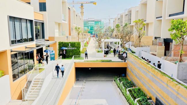 Dự án còn sở hữu hệ thống giao thông ngầm thông minh nhằm đảm bảo sự an toàn và riêng tư cho cộng đồng cư dân.