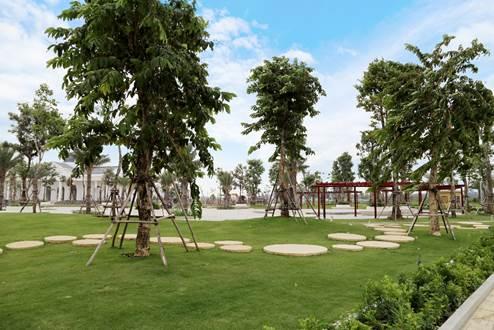 Mảng xanh tại Him Lam Green Park.