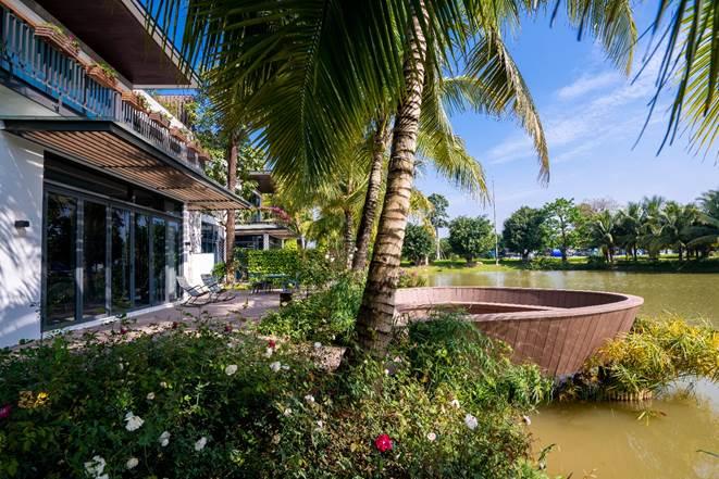 Không gian sống giữa cây xanh mặt nước của biệt thự Ecopark Grand The Island.