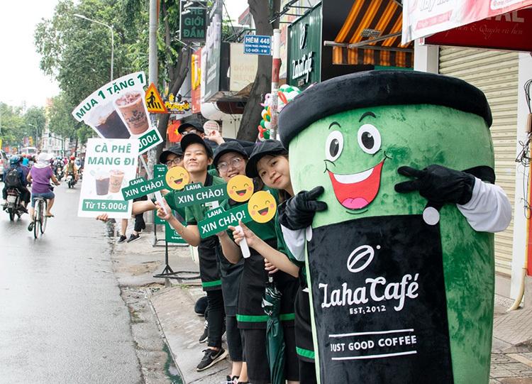 Một cách tiếp thị của Laha Cafe.