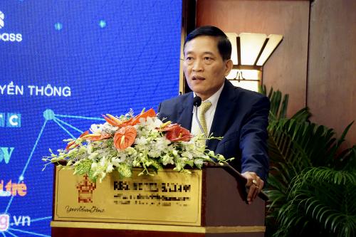 Thứ trưởng Bộ Khoa học Công nghệ Trần Văn Tùng phát biểu tại hội thảo ngày 11/12. Ảnh: Viễn Thông