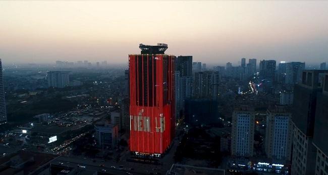 Toà Sunshine Center tại đường Phạm Hùng phủ sắc đỏ tối trong hai ngày 10-12/12