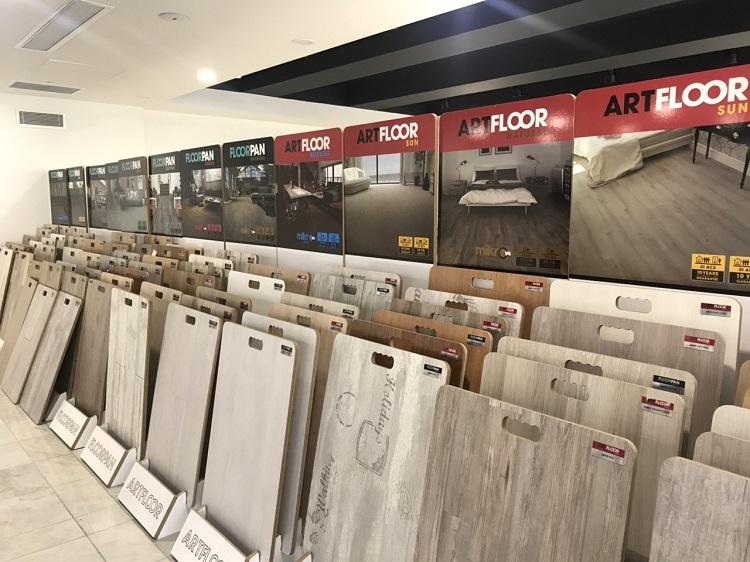 Một số mẫu sàn gỗ thương hiệu Artfloor tại phòng trưng bày của nhà máy.