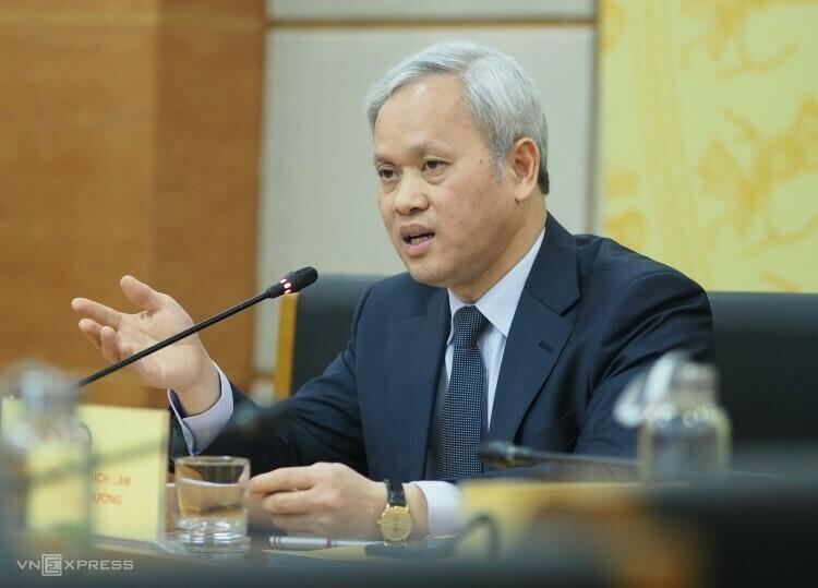 Ông Nguyễn Bích Lâm - Tổng cục trưởng Thống kê tại cuộc họp báo sáng 13/12. Ảnh: Minh Sơn.