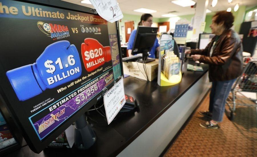 Người Mỹ chi trung bình hơn 1.000 USD mua vé số mỗi năm