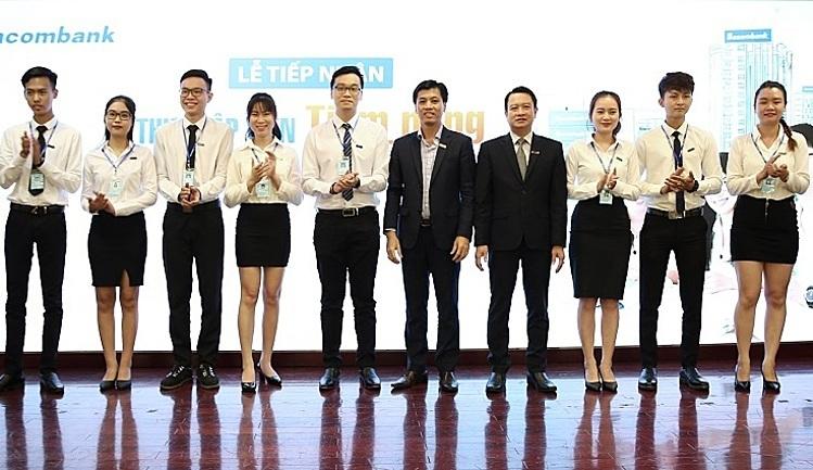 Lễ tiếp nhận Thực tập viên tiềm năng của Sacombank.