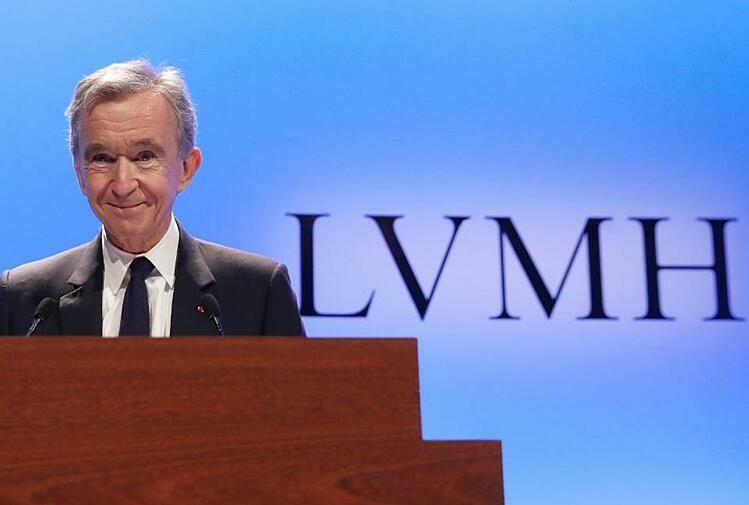 Ông chủ LVMH Bernard Arnault hiện giàu nhất châu Âu. Ảnh: AP