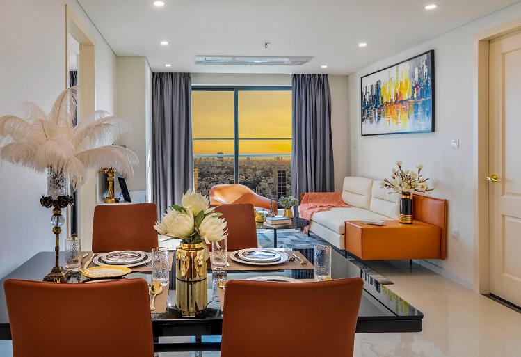 Nội thất trong căn hộ tại Premier Sky Residences được thiết kế bởi Finenco Architects, công ty thiết kế kiến trúc đến từ Italia và là một trong những đơn vị danh tiếng nhất trên thị trường Châu Á. Premier Sky Residences là kết quả của sự bắt tay hợp tác giữa chủ đầu tư Minh Đông và Finenco Architects, với tầm nhìn hướng tới những giá trị sống đỉnh cao và tiện nghi vượt trội. Nội thất căn hộ Premier Sky Residences mang phong cách châu Âu, là sự hòa quyện giữa thiên nhiên và những nét hiện đại, tạo nên một không gian sống an yên nhưng không kém phần sang trọng.