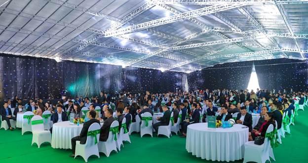 Lễ mở bán Him Lam Green Park giai đoạn hai thu hút hơn 600 khách hàng tới tham dự.