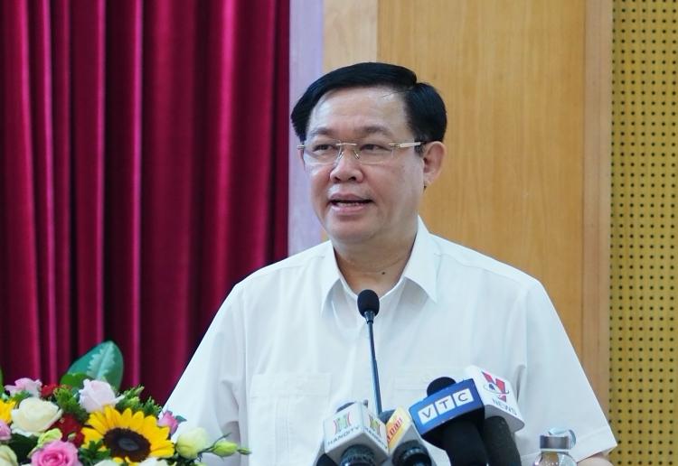 Phó thủ tướng Vương Đình Huệ tại hội nghị sáng nay (19/12). Ảnh: Minh Sơn
