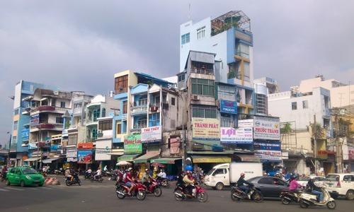 Nhà phố mặt tiền TP HCM. Ảnh: Vũ Lê
