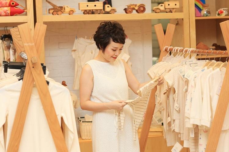 Chị Thu Hiền, sáng lậpMimi Fashion vớitâm huyếtsử dụng chất liệu quần áo organic thân thiện với sức khỏe.